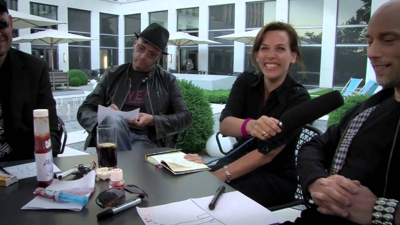 OOMPH! - Therapiesitzung mit Dr. Nina | THERAPY TV